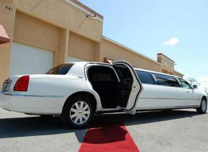 lincoln stretch limousine Fayetteville